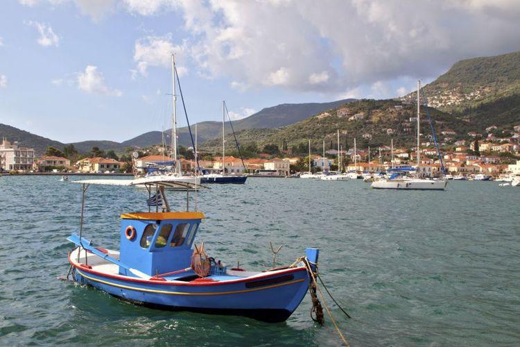 Fishing-boat-at-Vathi-bay-at-Ithaki-900